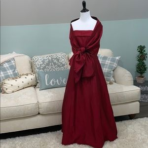 GORGEOUS gown NWOT! Prom, cocktail, wedding attire